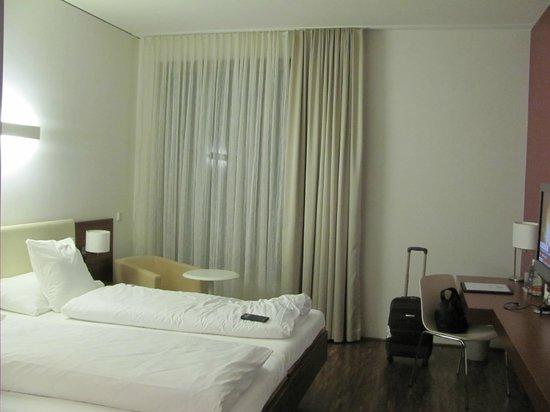 Hotel Stuecki Basel: комната