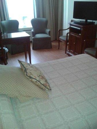Hotel Husa Europa: habitacion