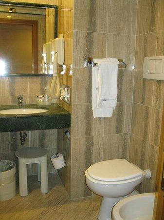 Hotel Giolli Nazionale: Baño