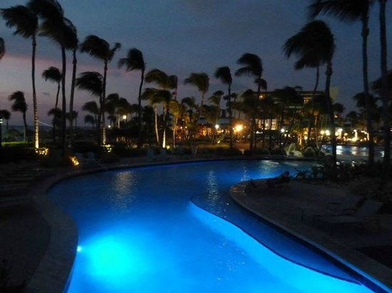Hilton Aruba Caribbean Resort & Casino : Piscina