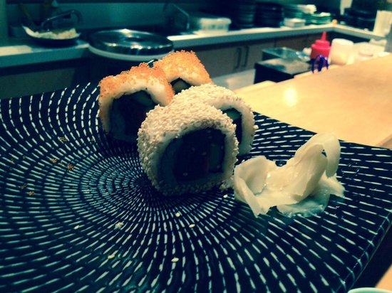 Kuni's Japanese Restaurant: Spicy Tuna Rolls