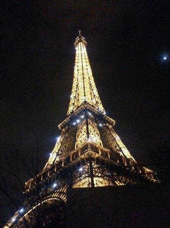 Eiffel Saint Charles: Eiffel tower at night