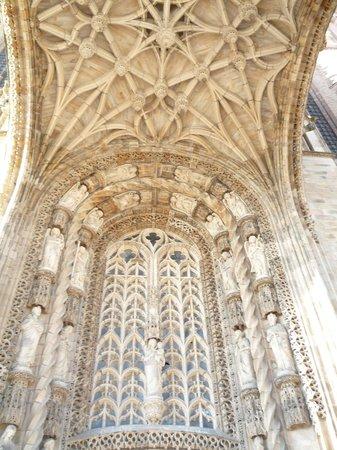 Cathedrale Sainte-Cecile: particolare cattedrale