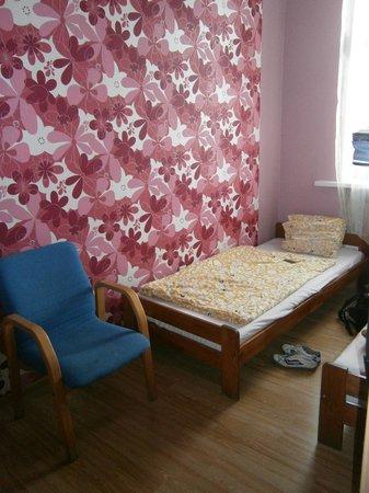 Hostel Cinema : Pinkes Zimmer