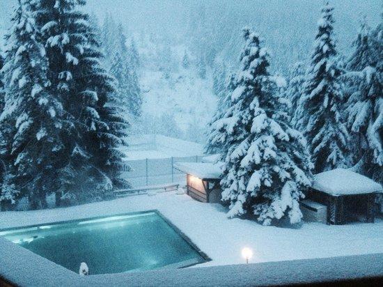 Hotel Die Post: piscina esterna