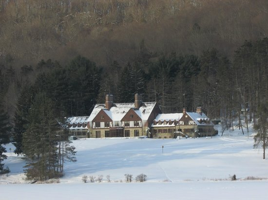 Allegany State Park: Administration building from across Red House Lake