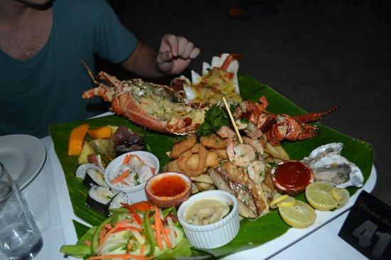 Breakas Beach Resort Vanuatu : Delicious seafood platter!