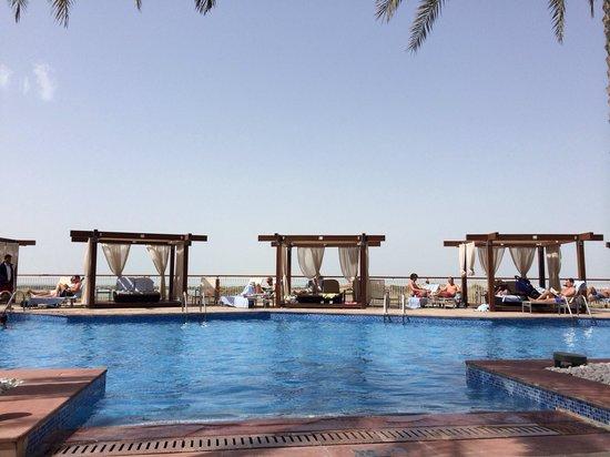 Radisson Blu Hotel, Abu Dhabi Yas Island : pool view
