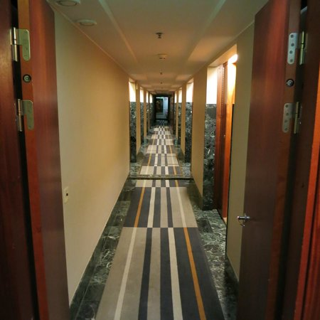 Berns Hotel: Hallway to rooms
