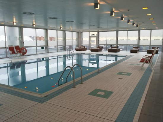 Holiday Inn Munich - City Centre: Indoor pool