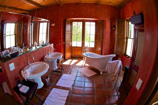 Doornbosch Guest House and Country Cottages: Bathroom