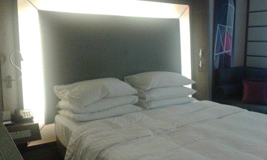 Novotel Hong Kong Nathan Road Kowloon : Bedroom 2