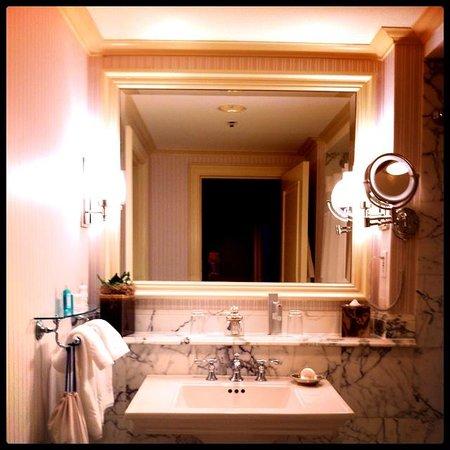 The Ritz-Carlton, New Orleans : Bathroom