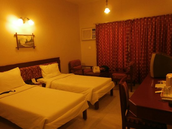 Hotel Gnanam: Room 204