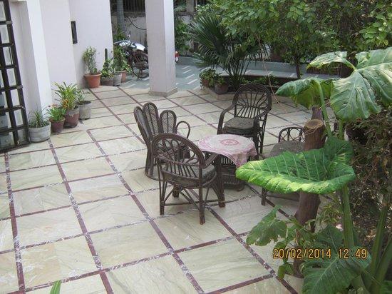 Sai Home Stay: 中庭の様子です。素敵です。