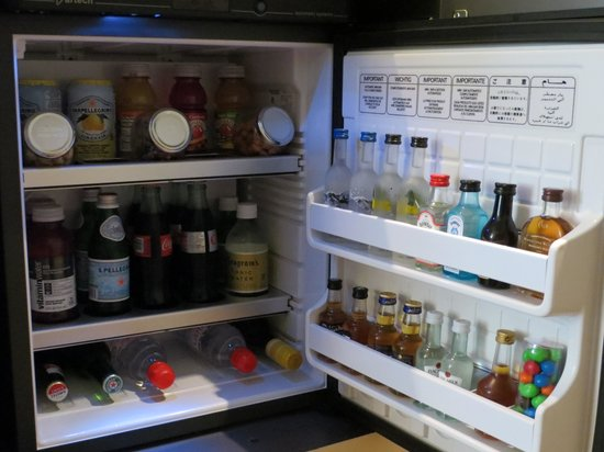 The London NYC : Cool mini bar