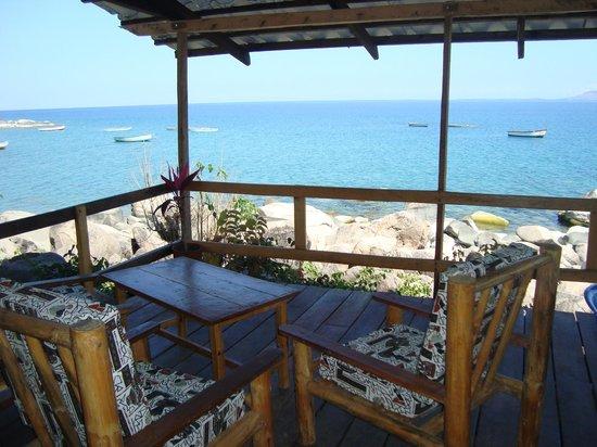 Ulisa Bay Lodge: Bar lounge