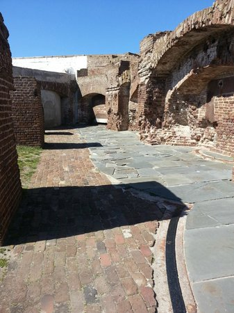 Fort Sumter National Monument : fortress walls