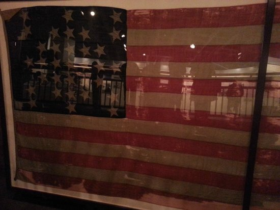 Fort Sumter National Monument : original flag taken down at beginning and raised at end of war