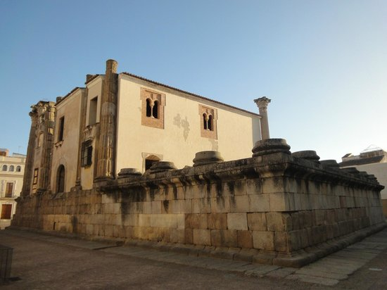 Templo de Diana: fundos