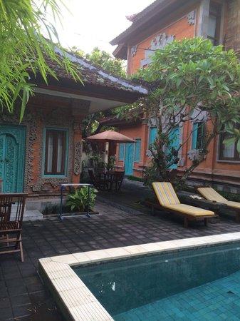 Sunhouse Guest House: Sun house is nice getaway in Sanur