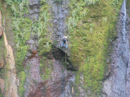 Catarata Del Toro Adventures: Rappell..........WOW