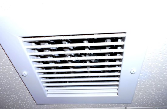 Kahler Grand Hotel : This was the vent in the bathroom