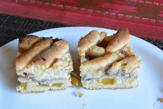 White Pinoy Restaurant & Bar: Mango pie