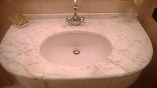 Hotel Tre Fontane : Bagno in camera