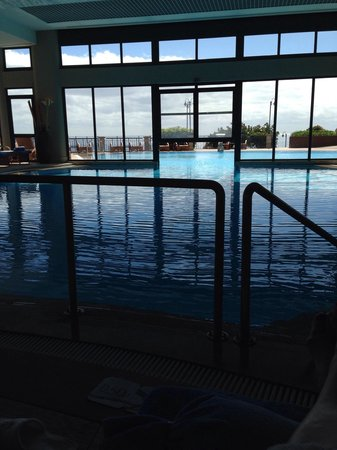 Hotel The Cliff Bay: The warm indoor/outdoor pool