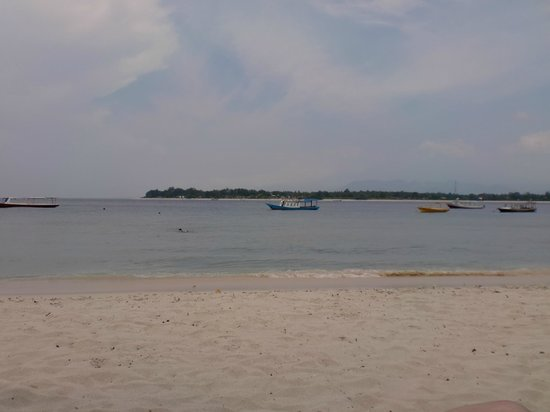 Villa Almarik Resort Lombok: View from beach at Almirik