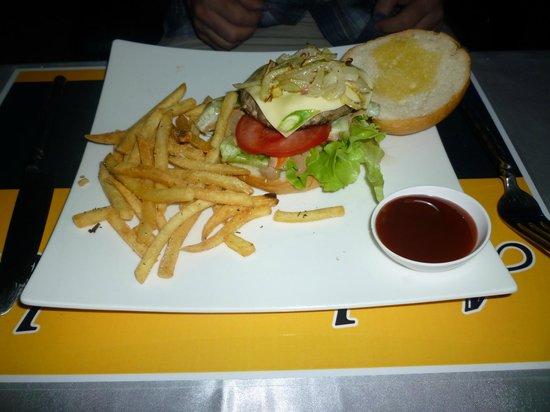 Ambassador Bistro : A burger