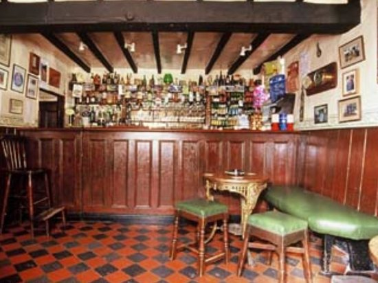 Selattyn, UK: The famous Cross Keys bar, only one of 3 heritage pub interiors in Shropshire