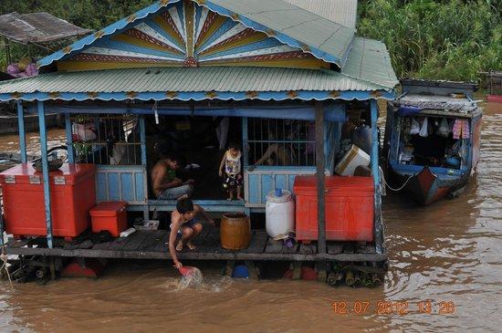 Tonlé Sap River: Домики