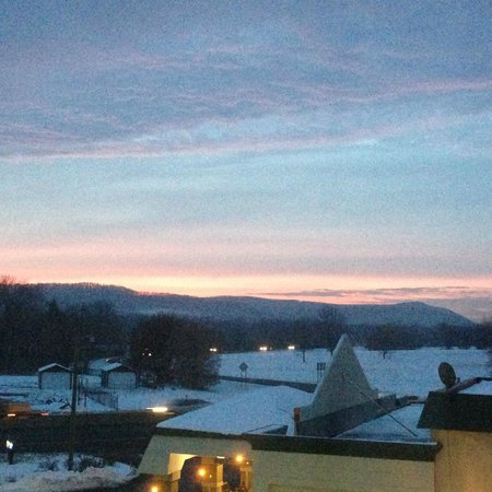 Holiday Inn Express & Suites Selinsgrove: What a sight to wake up to!