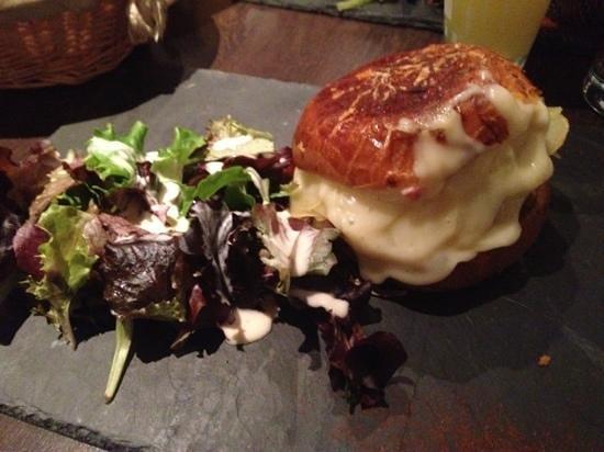 Le Cosy: burger raclette