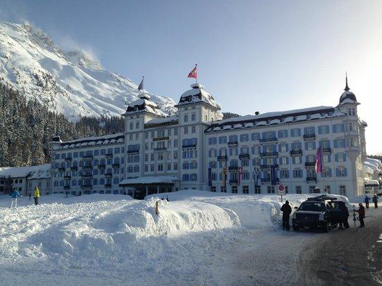 Kempinski Grand Hotel des Bains St. Moritz: Imposante Ansicht