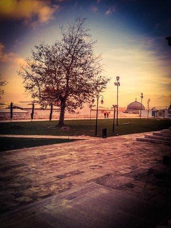Süleymaniye-Moschee: outdoors