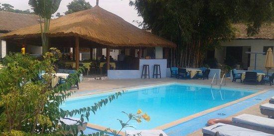 Safari Garden Hotel: Pool and Bantaba