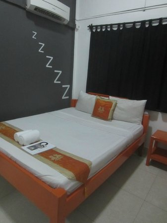 Mad Monkey Hostel Phnom Penh: Room 4 (standard room)