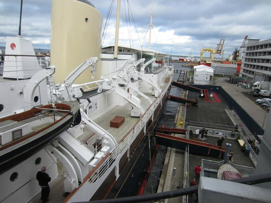 how to get to royal yacht britannia