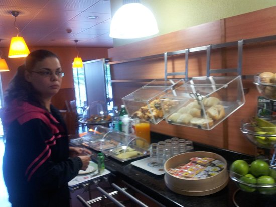 Bélinda, Petit déjeuner, Ibis Porto Norte 2.