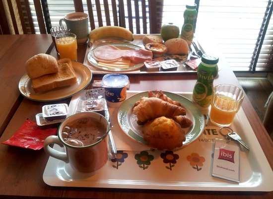 Petit déjeuner, Ibis Porto Norte 1.