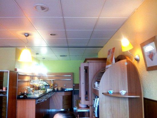 Petit déjeuner, Ibis Porto Norte 7.