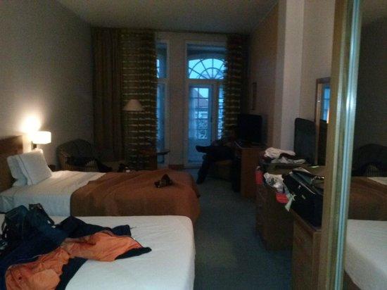 Hotel Toural: Apartamento magnífico. Limpo, enorme, bem arrumado e acolhedor