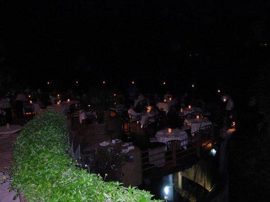 Villa de la Selva : Night view