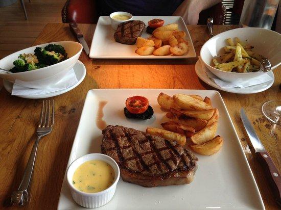 Tower Restaurant: Lunch