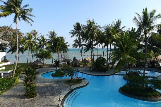 Turi Beach Resort: view of the pool/beach