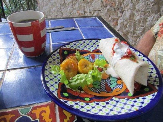 Casa Del Maya: Breakfast Burrito
