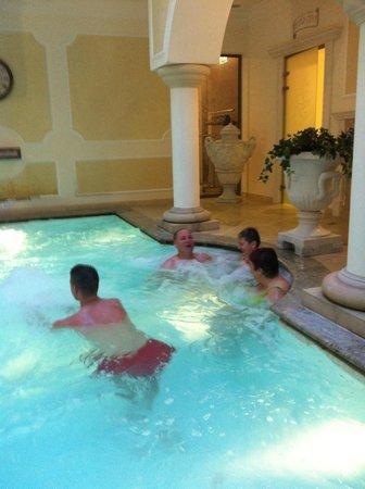 Hotel Elizabeth: in the pool